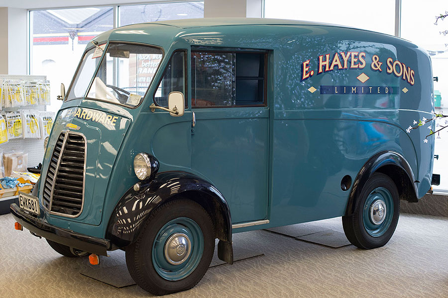 E hayes vehicle collection image gallery photos of cars for Hayes motor company trucks